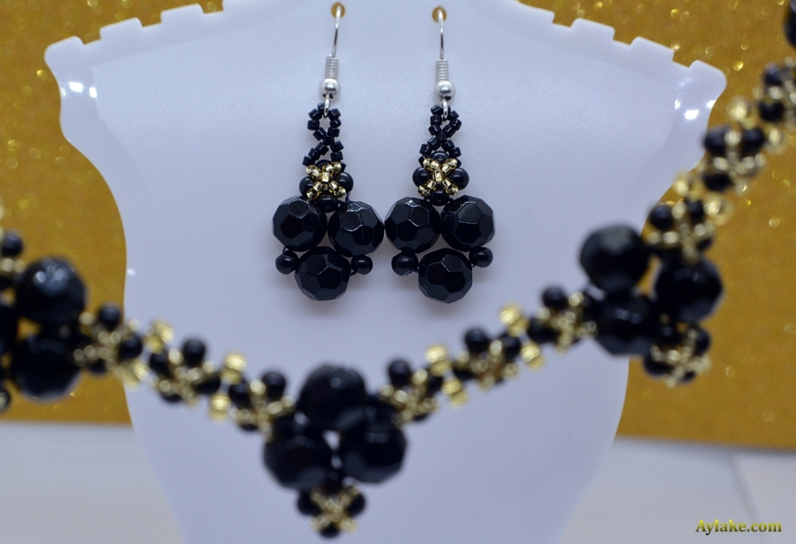 Clara-When-You-Love-What-You-Have-You-Have-Everything-Beaded-Earrings-Black-Tutorial-Aylake-2