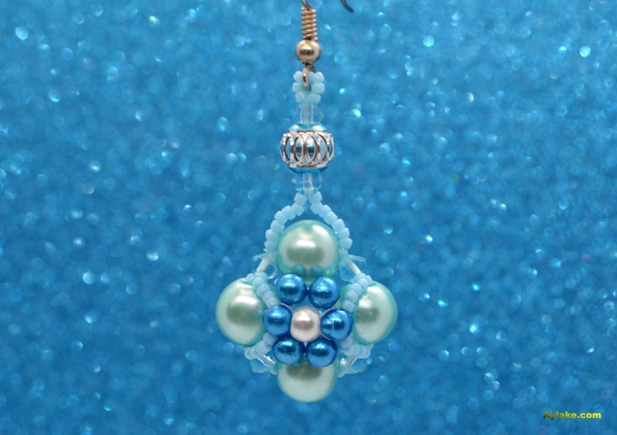 Daisy Flowers On The Pearls Who Doesnt Love Beaded Jewelry Aylake10