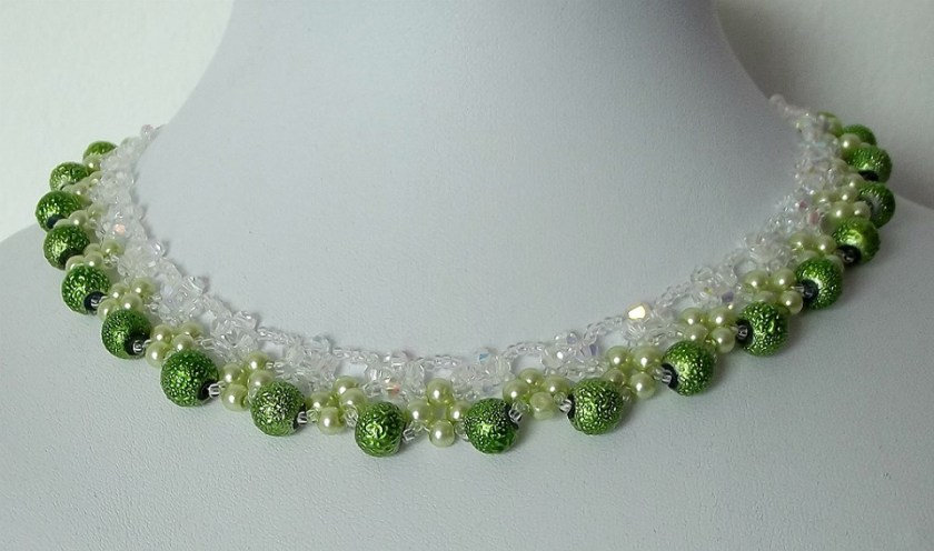 Light-Green-Fairy-Necklace-Is-Full-Of-Magic-Things-Waiting-For-You-Green-Beading-Tutorial-Aylake-1