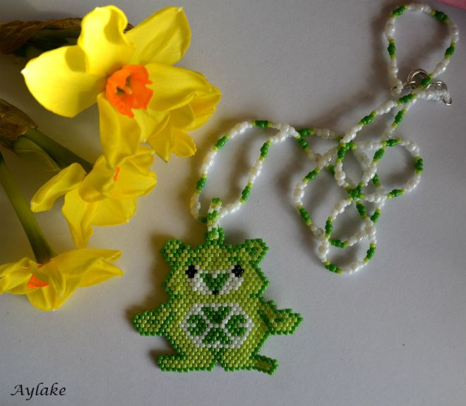 The-Endless-Spring-Charm-I'm-Not-Lucky-I'm-Blessed-Jewelry-Peyote-Tutorial-Aylake-1