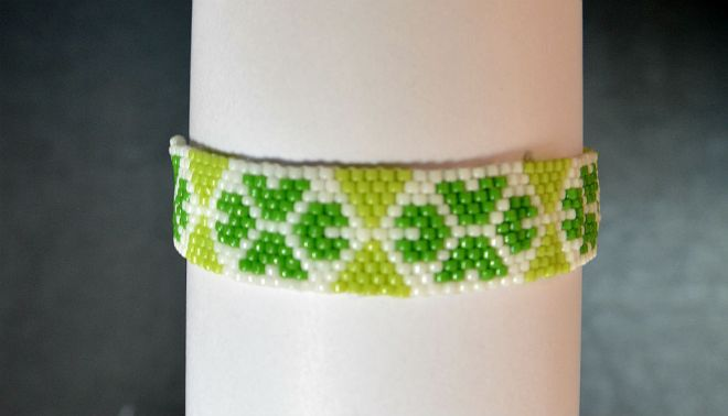 The-Endless-Spring-Charm-I'm-Not-Lucky-I'm-Blessed-Jewelry-Peyote-Tutorial-Aylake-4