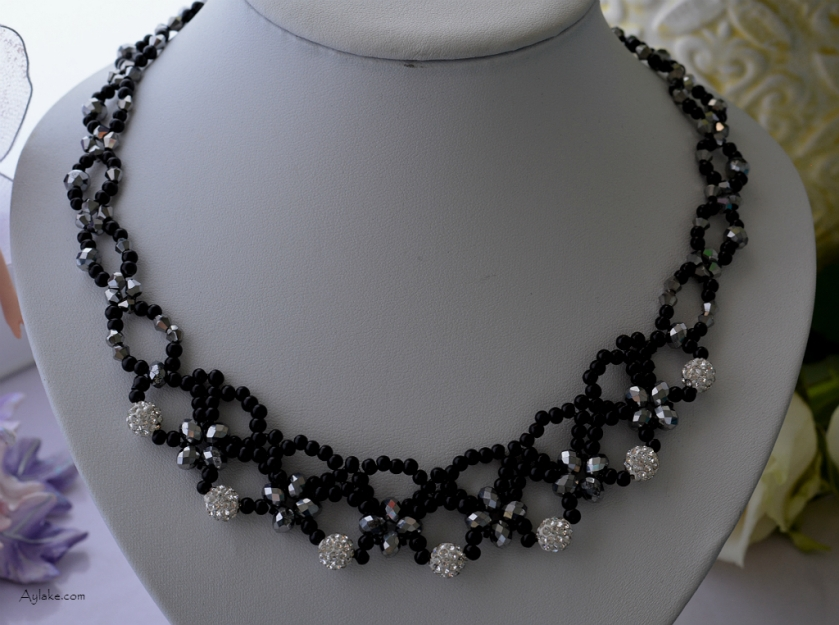 Tiny-Web-Every-Beaded-Necklace-Has-Its-Own-Story-To-Tell-Black-Silver-Simple-Tutorial-Aylake-1