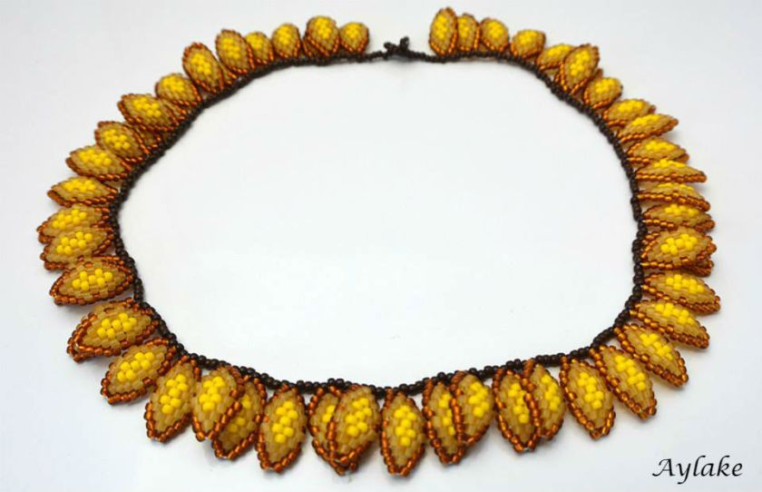 Strawflowers-This-Gorgeous-Beaded-Necklace-You-Can-Wear-All-Year-Round-Tutorial-Aylake-2